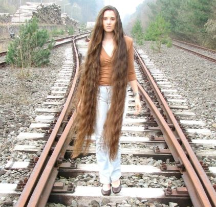 Hair Growth Products To Get Longer Hair - charlie!